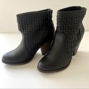 Fergalicious Worthy Black Booties size 6